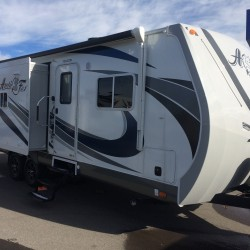2016 ARCTIC FOX 28F TRAVEL TRAILER