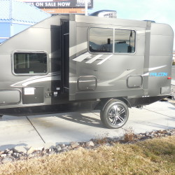 2018 TRAVEL LITE F-21RB Hurry in and get this at Close Out Pricing $16,999.00