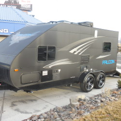 2018 TRAVEL LITE F-23TH Hurry in and get this at Close Out Pricing $17,999.00
